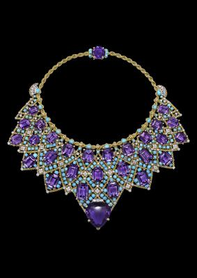 Bib necklace, Cartier Paris, special order, 1947. Twisted 18-karat and 20-karat gold, platinum, brilliant- and baguette-cut diamonds, one heart-shaped faceted amethyst, twenty-seven emerald-cut amethysts, one oval faceted amethyst, turquoise cabochons. Nils Herrmann, Collection Cartier © Cartier