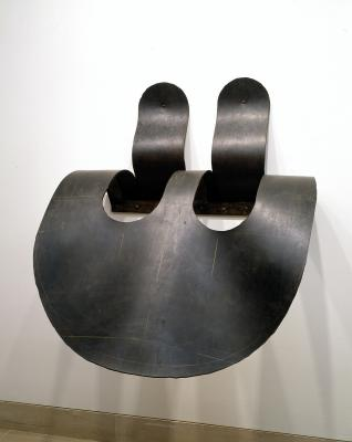 Heide Fasnacht, Witness, 1990, rubber laminate and steel, Dallas Museum of Art, gift of Mr. and Mrs. Claude C. Albritton III, Dorace M. Fichtenbaum, the Barrett Collection, and an anonymous donor, 1992.45.