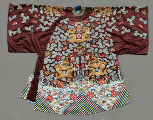China, short coat: dragons and auspicious symbols, late 19th century, silk, metal-wrapped yarn, Dallas Museum of Art, gift of Betty Ann Walter and Ruth Walter Benedict in memory of Ethyl Walter and Gladys Walter, 1993.70