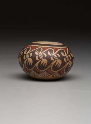 "Fannie Nampeyo, small jar with ""migration"" design, late 20th century, ceramic, slip and paints, Dallas Museum of Art, gift of Dr. and Mrs. Robert I. Kramer, 2014.43.14"