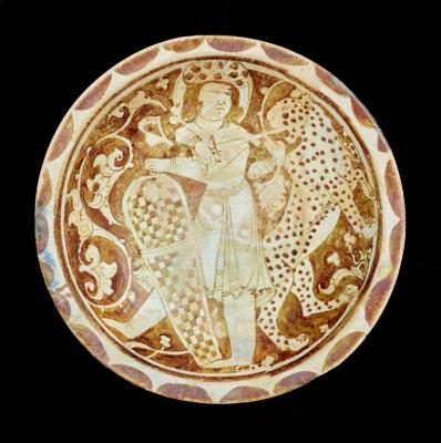 Iran, Plate, 12th century, fritware, painted in luster on an opaque white glaze, The Keir Collection of Islamic Art on loan to the Dallas Museum of Art, K.1.2014.321
