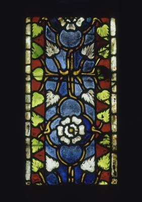 White roses decoration, from the Franciscan Church in Colmar (?), Alsace, France, c. 1330 Ornamental stained glass, Musée national du Moyen Âge – Thermes de Cluny, Cl.13747k © RMN-Grand Palais / Art Resource, NY Photo: Gérard Blot
